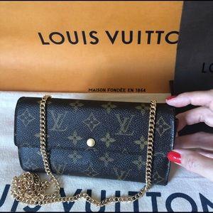 Louis Vuitton Monogram Sarah Wallet with Chain Aut